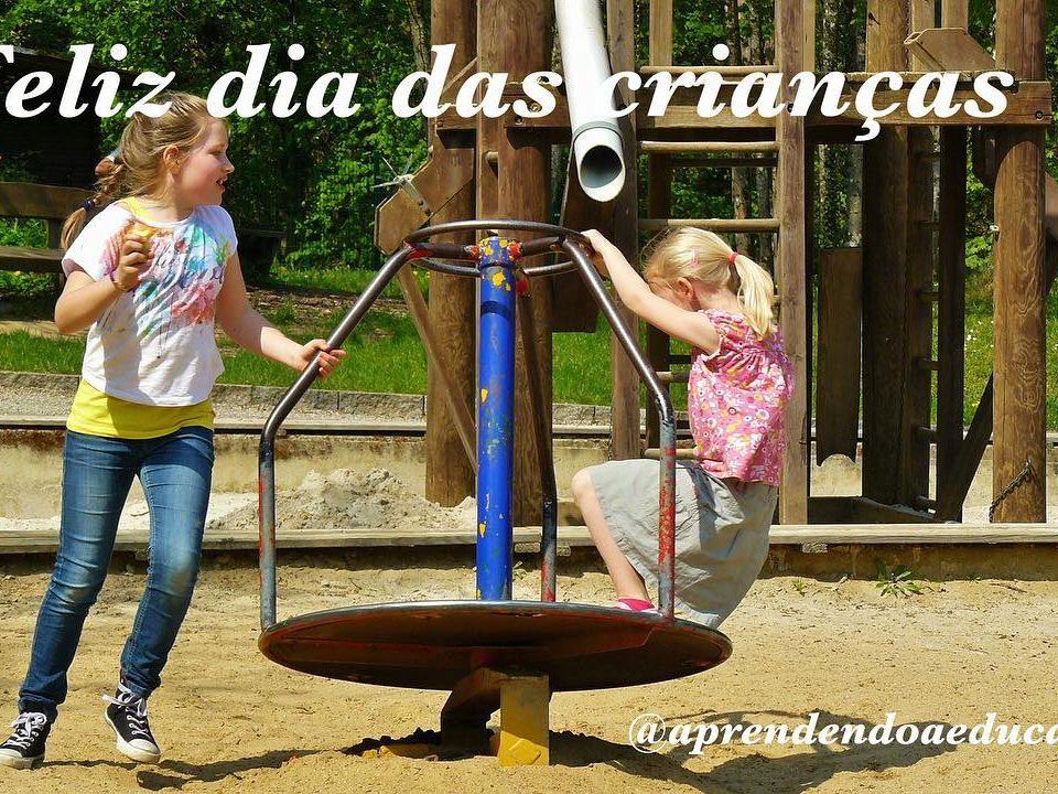 O que toda criança mais gosta de fazer é brincar, brincar até cansar, brincar do...